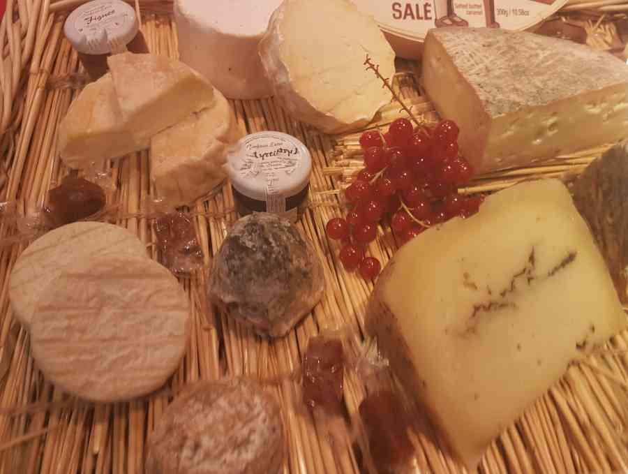 Boucherie du Pont de l'Arc 76   Boucherie également des fromages, des plats cuisinés, des vins et des produits d'épicerie fine au Pont-de-l'Arc