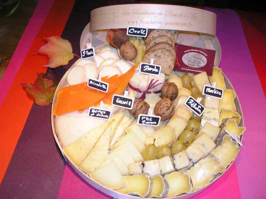 Boucherie du Pont de l'Arc 71   Boucherie également des fromages, des plats cuisinés, des vins et des produits d'épicerie fine au Pont-de-l'Arc