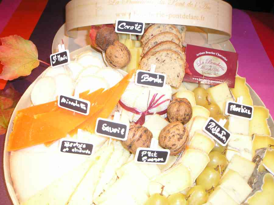 Boucherie du Pont de l'Arc 70   Boucherie également des fromages, des plats cuisinés, des vins et des produits d'épicerie fine au Pont-de-l'Arc