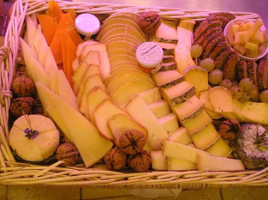 Boucherie du Pont de l'Arc 67   Boucherie également des fromages, des plats cuisinés, des vins et des produits d'épicerie fine au Pont-de-l'Arc