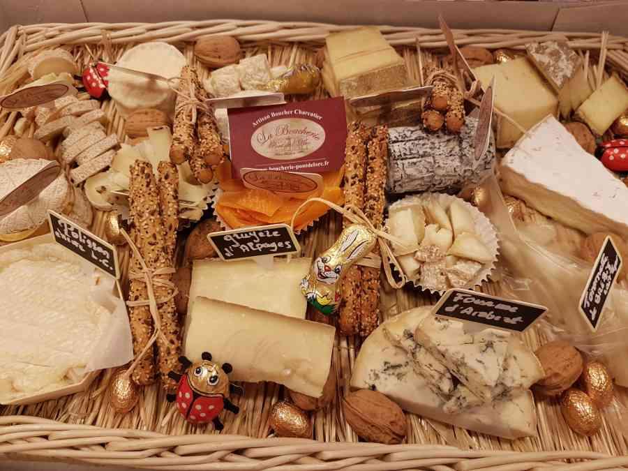 Boucherie du Pont de l'Arc 64   Boucherie également des fromages, des plats cuisinés, des vins et des produits d'épicerie fine au Pont-de-l'Arc