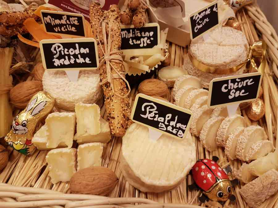 Boucherie du Pont de l'Arc 62   Boucherie également des fromages, des plats cuisinés, des vins et des produits d'épicerie fine au Pont-de-l'Arc