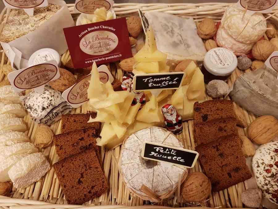 Boucherie du Pont de l'Arc 08   Boucherie également des fromages, des plats cuisinés, des vins et des produits d'épicerie fine au Pont-de-l'Arc
