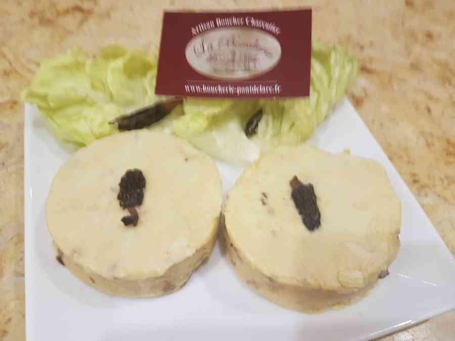 Boucherie du Pont de l'Arc 17   Boucherie également des fromages, des plats cuisinés, des vins et des produits d'épicerie fine au Pont-de-l'Arc