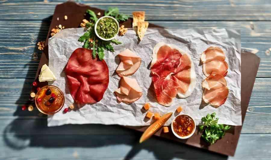 Boucherie du Pont de l'Arc 109 | Boucherie également des fromages, des plats cuisinés, des vins et des produits d'épicerie fine au Pont-de-l'Arc