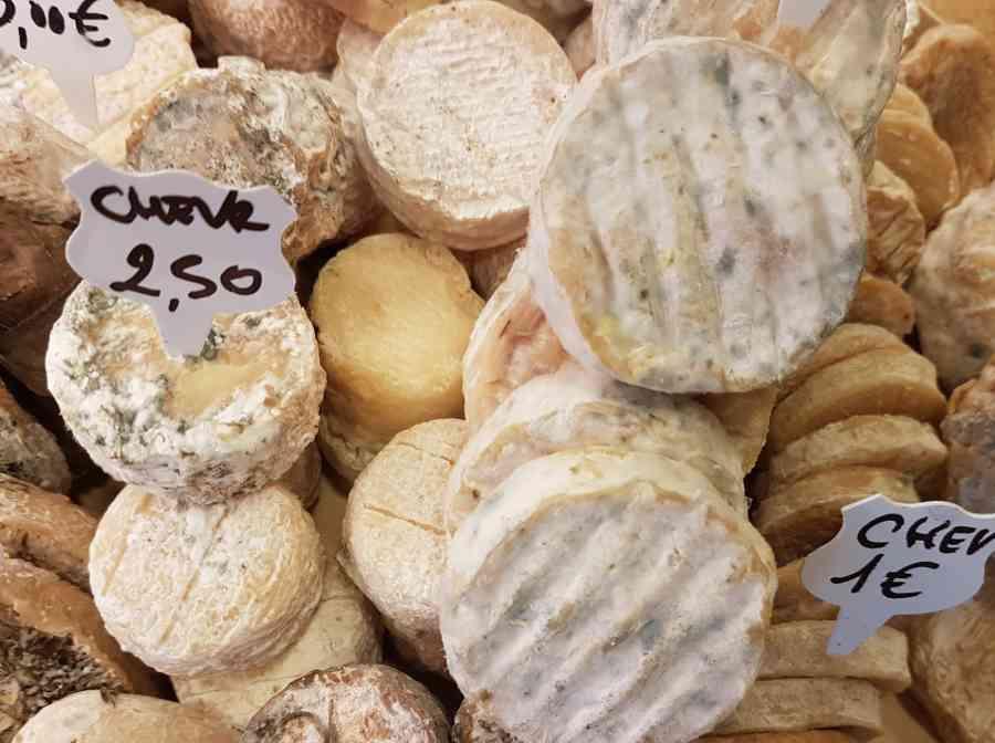 Boucherie du Pont de l'Arc 74   Boucherie également des fromages, des plats cuisinés, des vins et des produits d'épicerie fine au Pont-de-l'Arc
