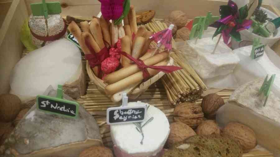 Boucherie du Pont de l'Arc 66   Boucherie également des fromages, des plats cuisinés, des vins et des produits d'épicerie fine au Pont-de-l'Arc