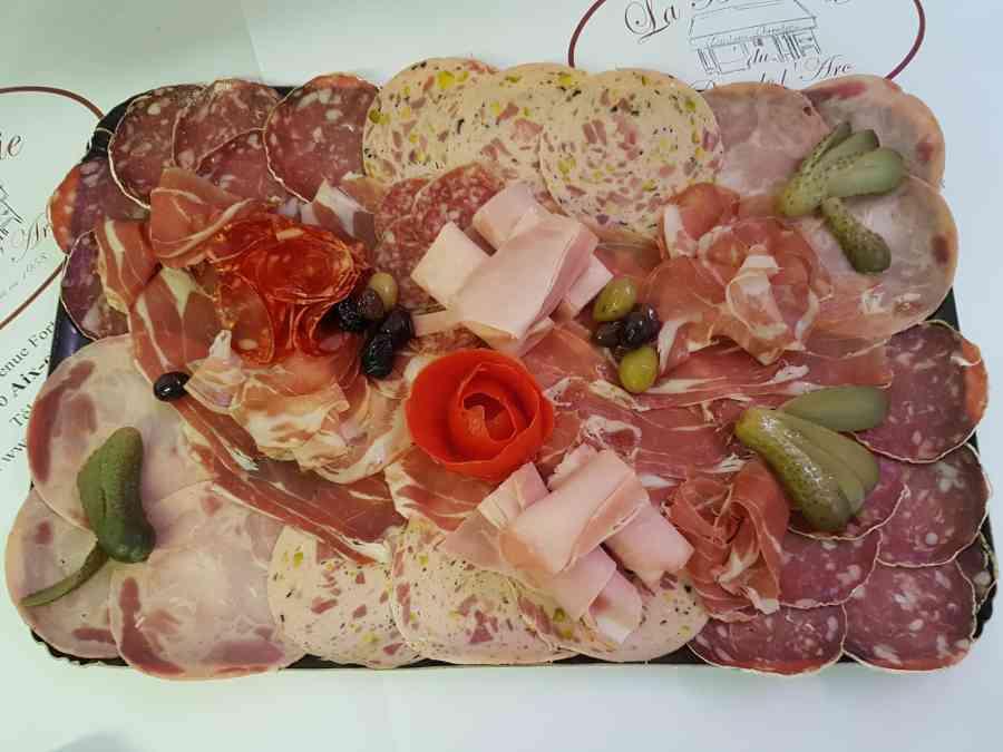 Boucherie du Pont de l'Arc 89 | Boucherie également des fromages, des plats cuisinés, des vins et des produits d'épicerie fine au Pont-de-l'Arc