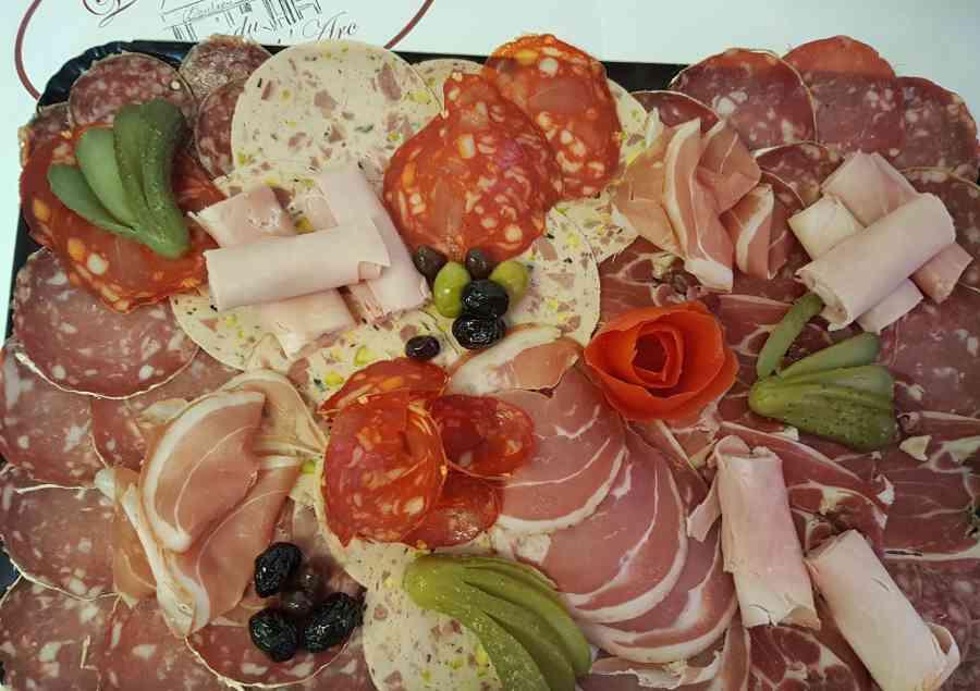 Boucherie du Pont de l'Arc 84 | Boucherie également des fromages, des plats cuisinés, des vins et des produits d'épicerie fine au Pont-de-l'Arc